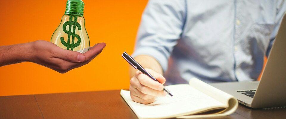 Rozdíl mezi copywriterem a art directorem. Dá se takovými obory uživit?